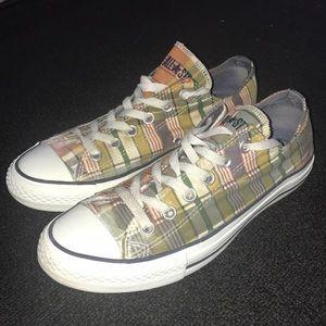 Converse shoes. Women Size 9